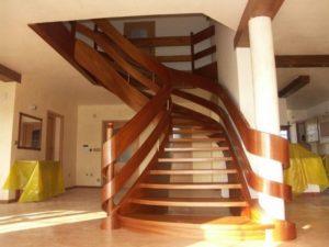 Domański drewniane schody kręcone