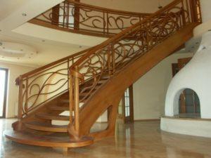 Domański zdjęcia schodów drewnianych