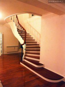 Domański zdjęcia schodów wewnętrznych