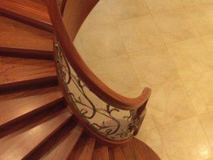 Domański schody z drzewa