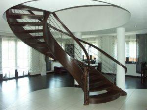 Domański schody drewniane azurowe