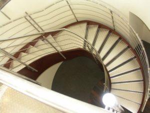 Domański jasne schody wewnętrzne