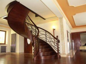 Domański schody spiralne z drewna