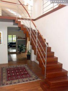 schody proste z drewna