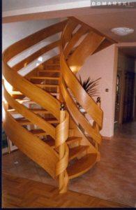 Domański drewniane schody ażurowe