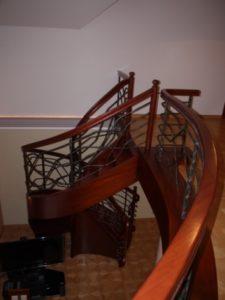 metalowo drewniane balustrady schodów