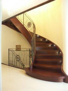 schody drewniane ażurowe Domański