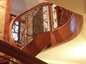 drewniane schody z metalową balustradą Domański